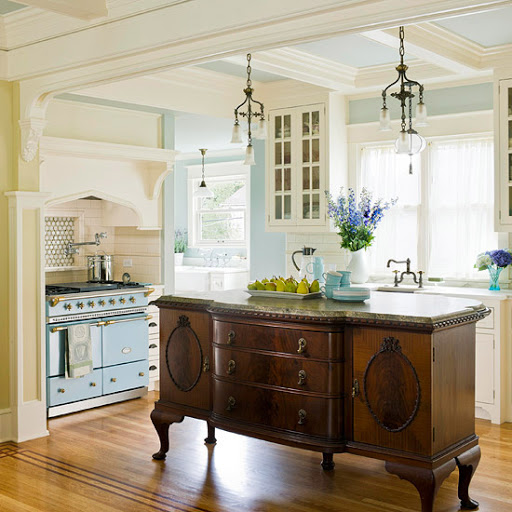 Decorating with Unique Kitchen Islands